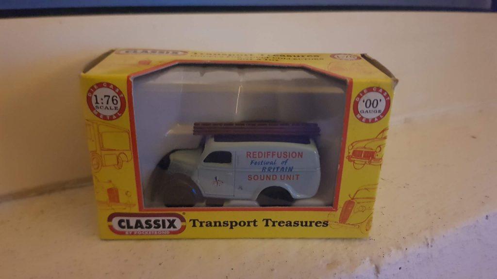 EM76654 - Classix - Ford E83W Thames Van - Festival of Britain