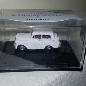 76TM001 - Oxford - Triumph Mayflower